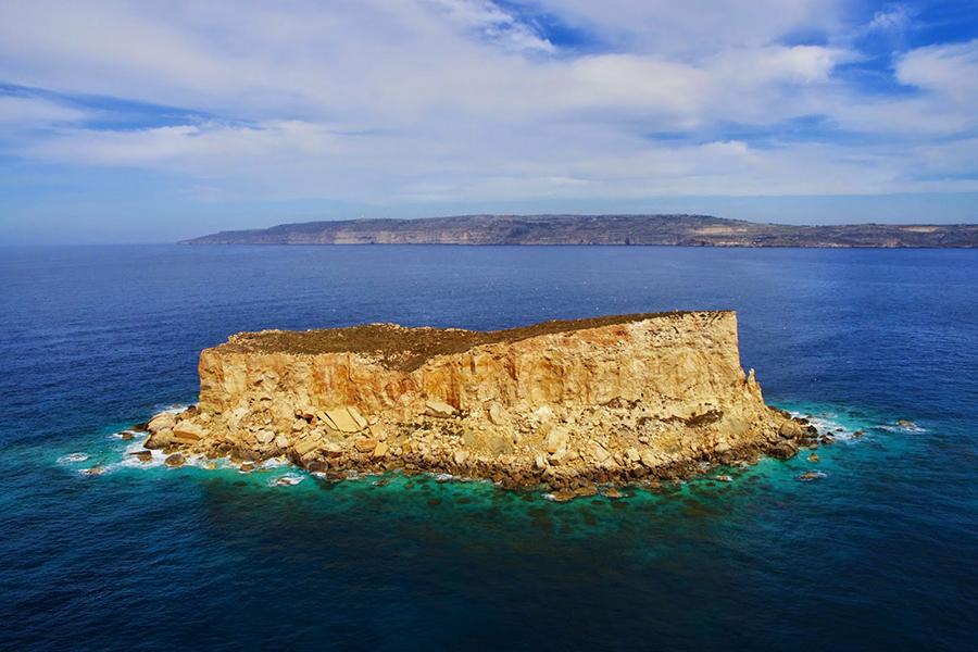 yacht charter to Filfla, Malta