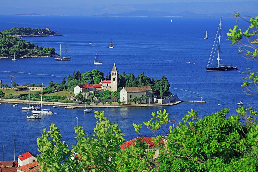 renting a boat in Vis, Croatia