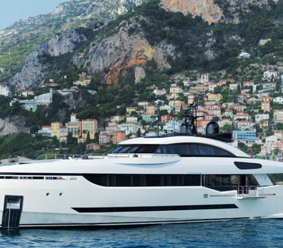Columbus 40S Hybrid: The Stylish Italian Super yacht (Video)