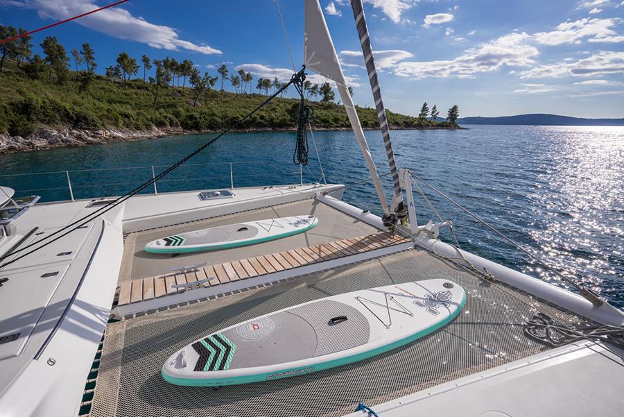 charter catamaran lagoon 570