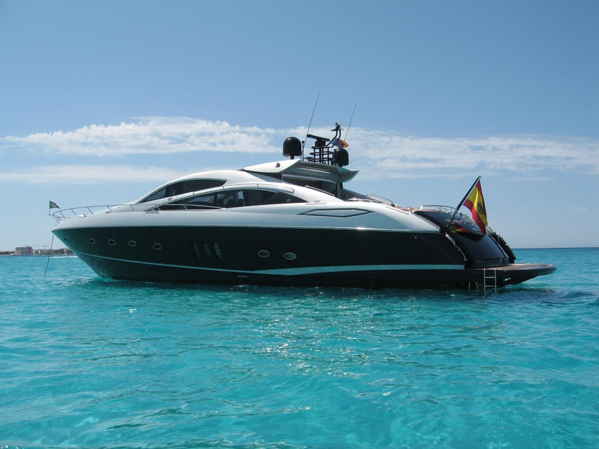 Power yacht charter Spain