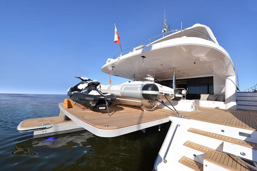 power yachts in Greece