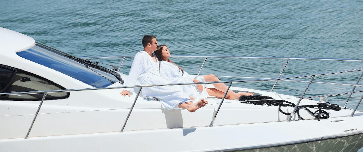 rent motor yacht italy