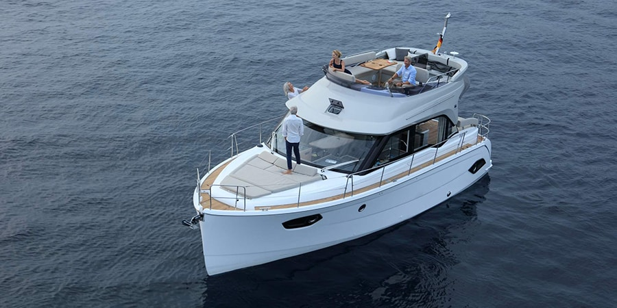 charter Bavaria E 40