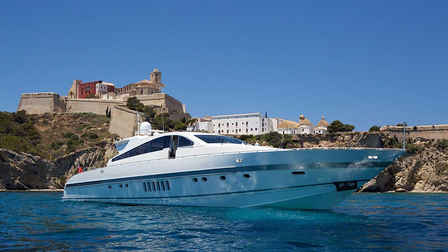 charter a powerboat in ibiza