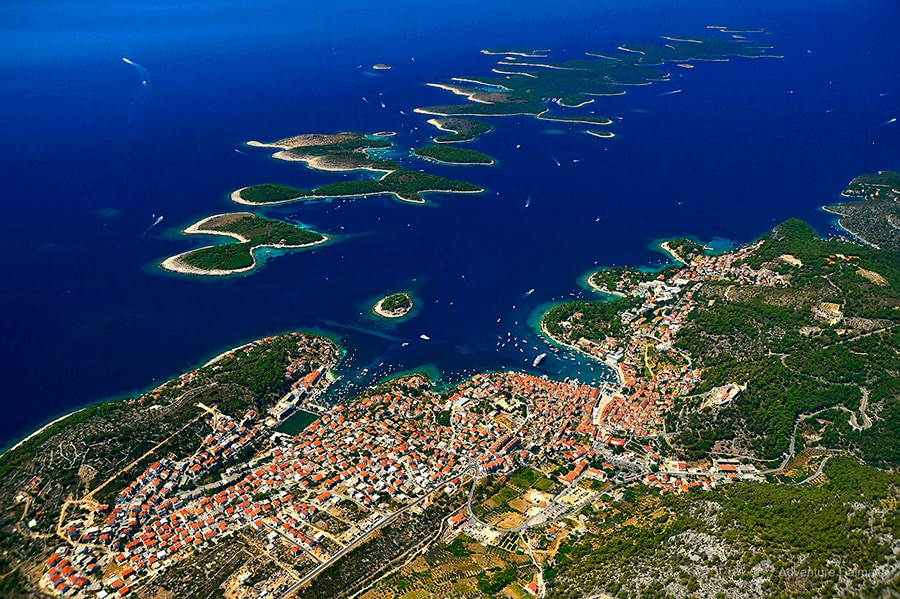 rent a yacht in pakleni islands hvar