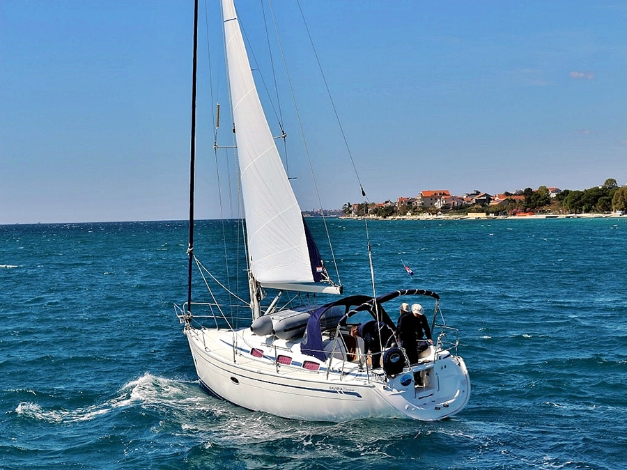 bavaria 33 cruiser in croatia