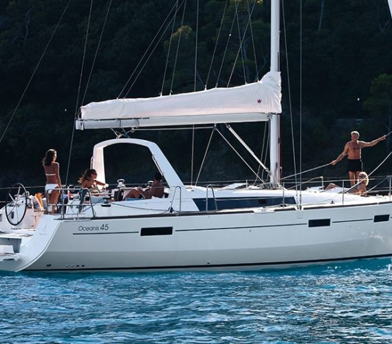 Beneteau Oceanis 45: Sailing Boat for Charter in Croatia