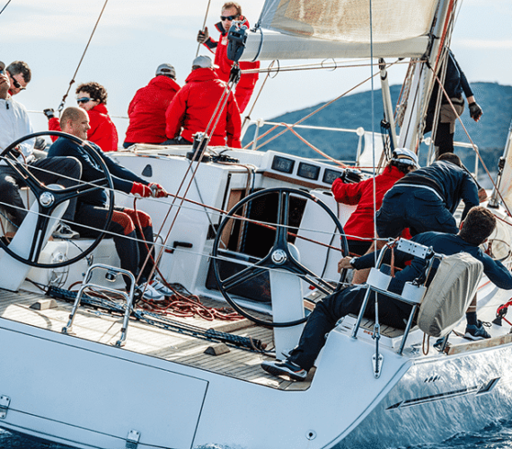 6 Skills You Develop on a Sailing Boat
