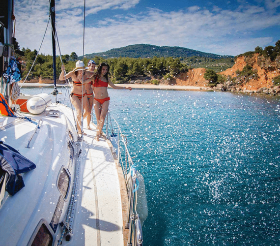 Sailing Holidays in Greece: a Variety of Sailing Weekly Routes Available Around the Greek Islands
