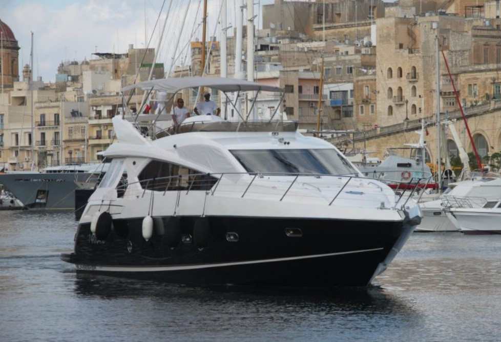 Sunseeker Manhattan 63 cruising in Malta