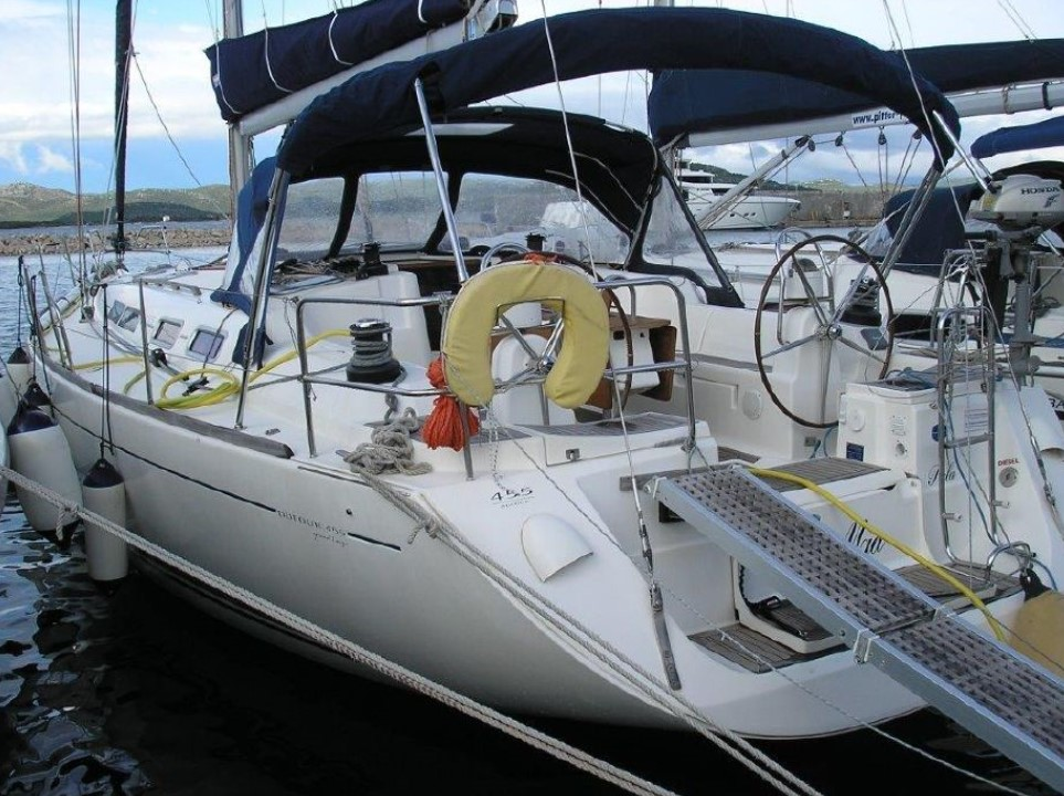 Dufour 455 Grand Large docked