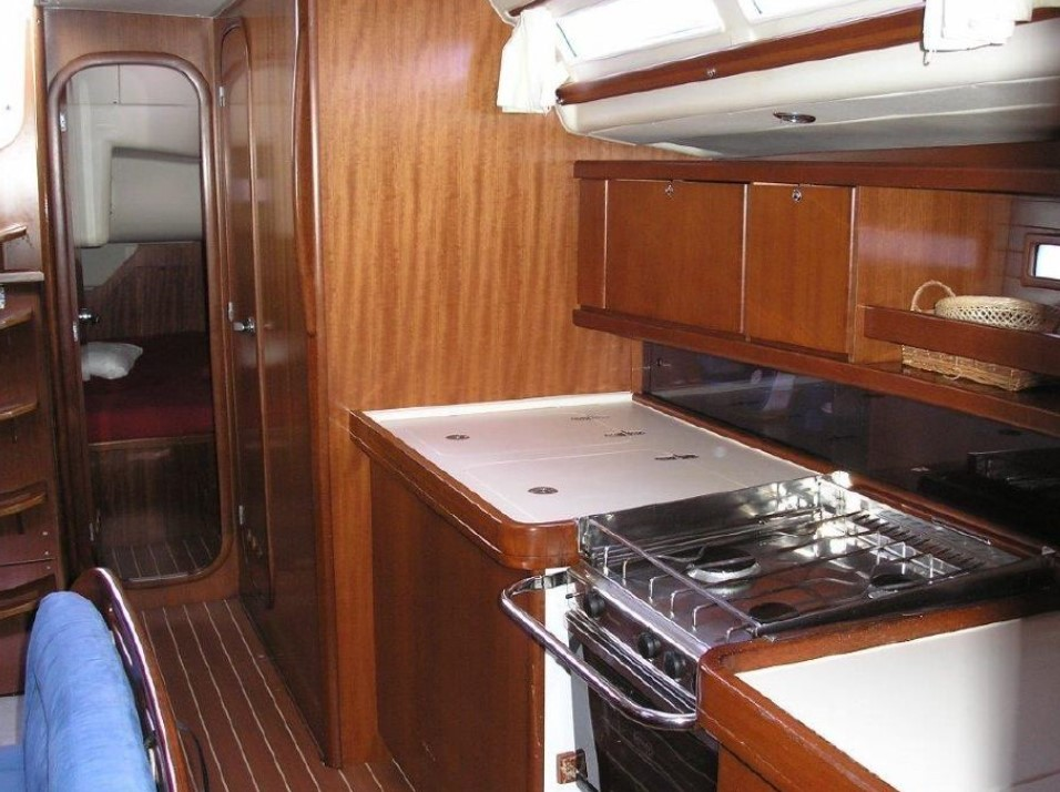 Dufour 455 Grand Large inside look