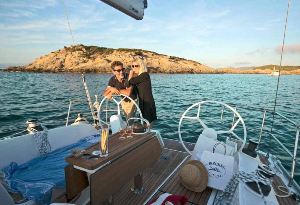 a couple sailing the world on a Bavaria Cruiser 37