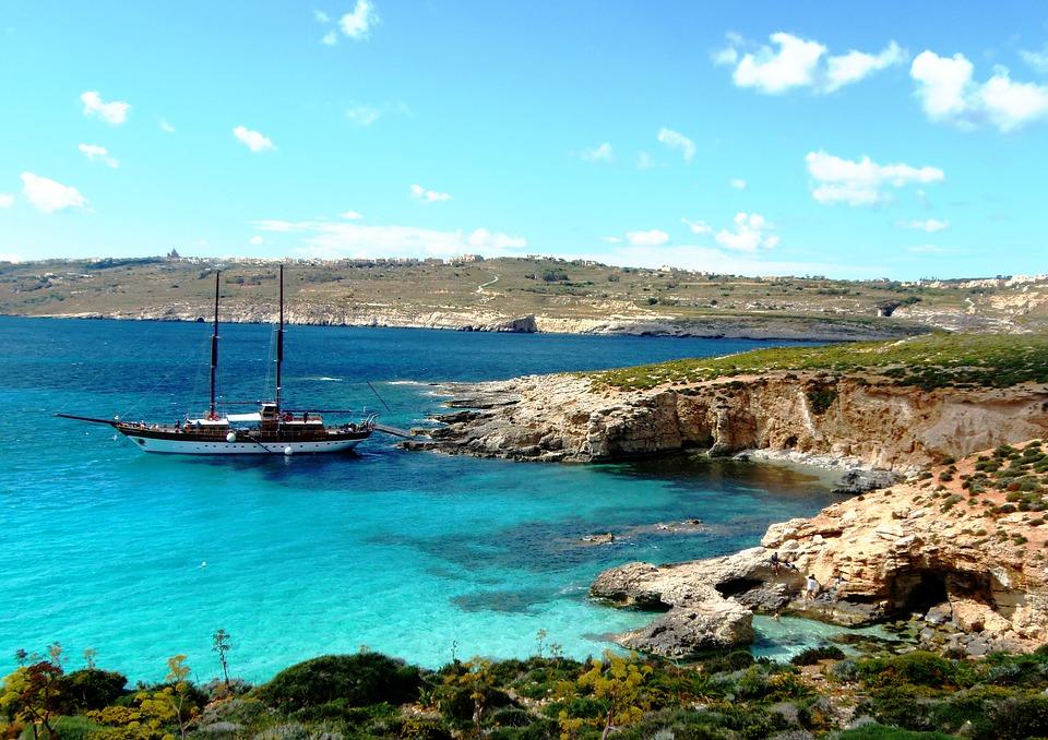 sailing in blue lagoon malta