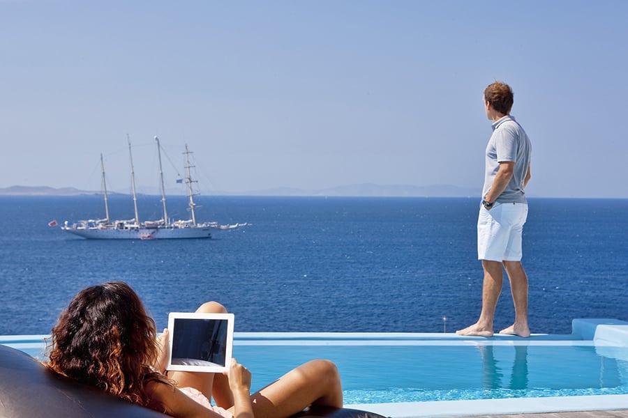 rent a boat in Mykonos, Greece