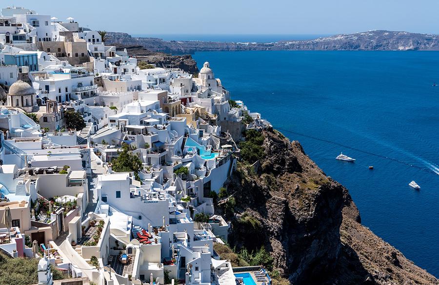 rent a boat in santorini greece