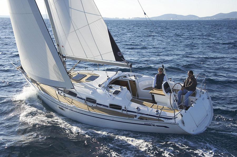 yacht charter with Bavaria 39 Cruiser