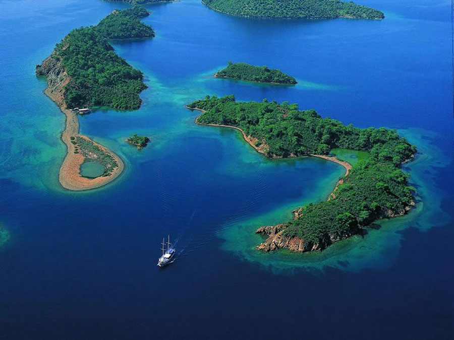 chartering a yacht Turkey