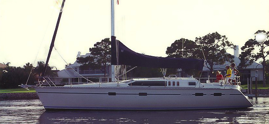 charter Hunter 43 yacht