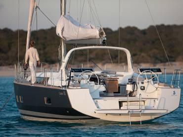 Beneteau Oceanis 55 Review