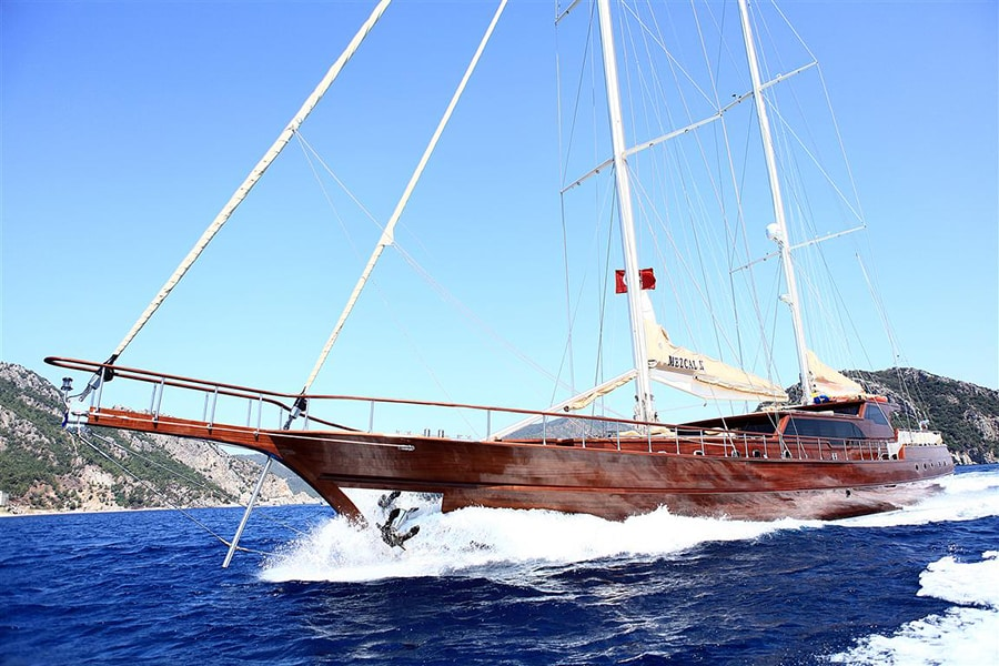The Traditional Turkish Gullet: Explore the Turquoise Coast in Style