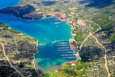 Sailing Route: Sail Away on a Chartered Yacht from Pula, Croatia