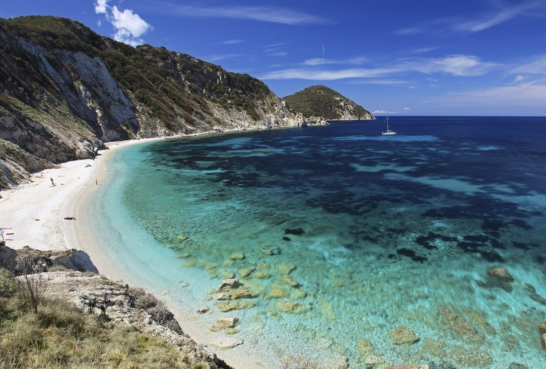 boat chartering to the magical beaches of Maremma