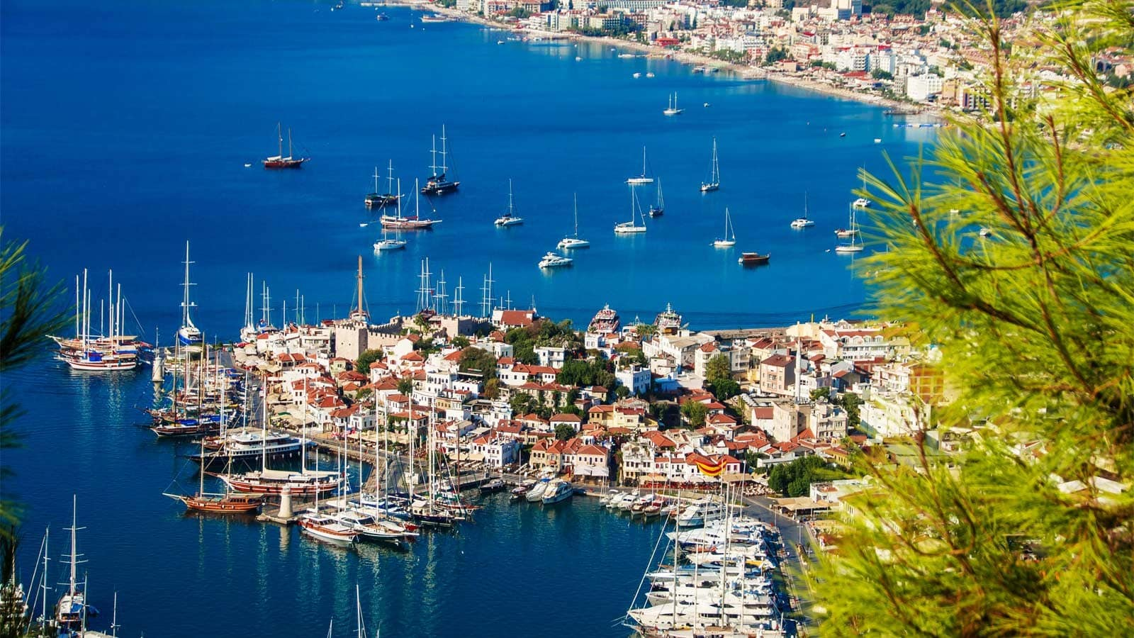 boats sailing the coasts of Marmaris
