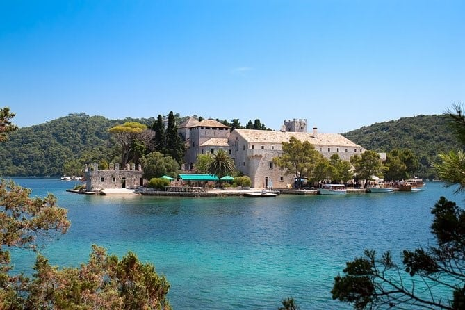 Itinerary Day 11: sailing from Mljet to Ston,Croatia