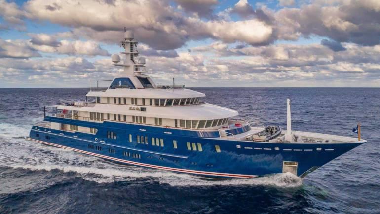 Bella Vita Luxury Yacht