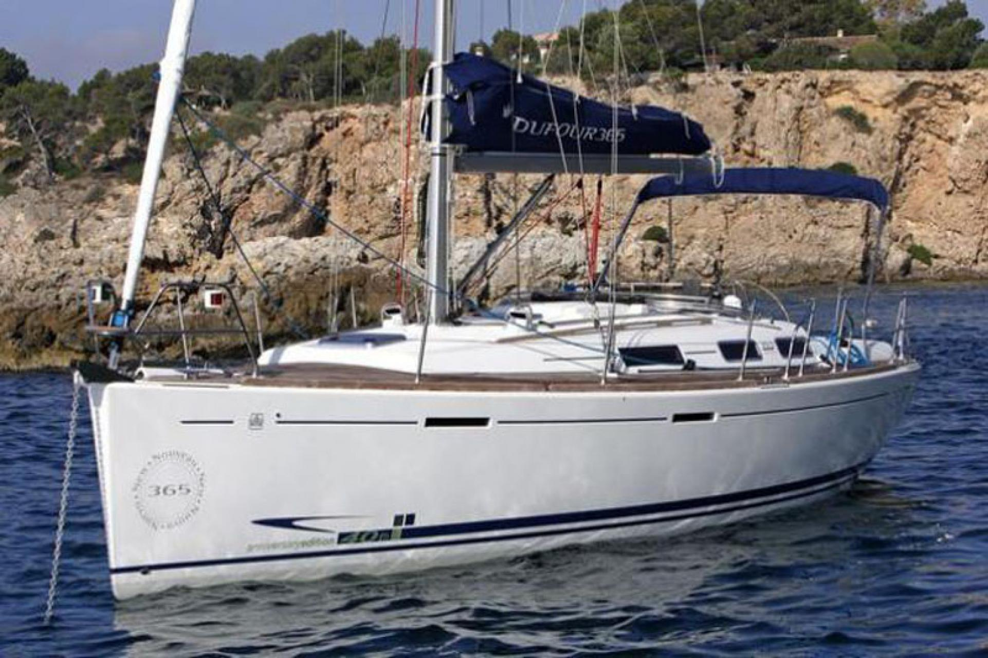 Dufour 365 Grand Large sailing in Malta