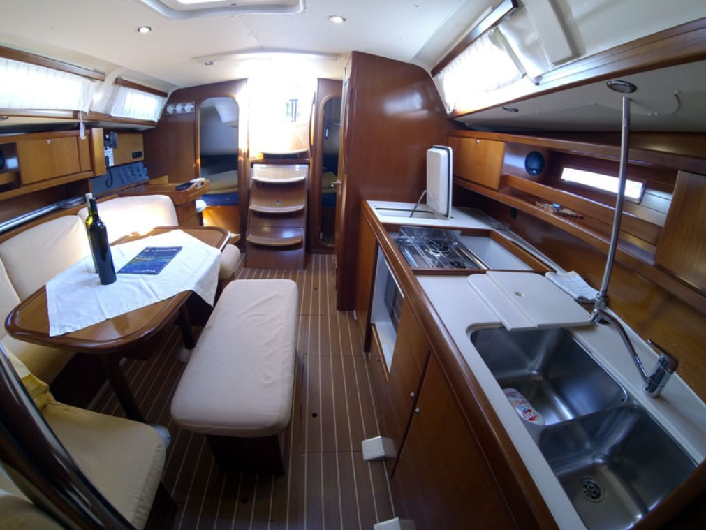 Dufour 365 Grand Large inside