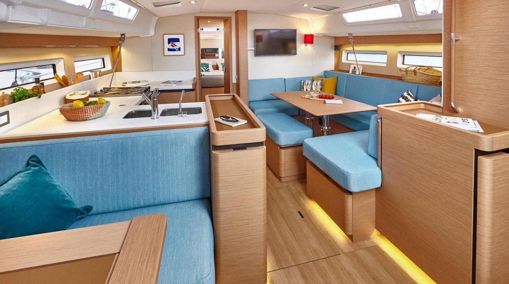Jeanneau Sun Odyssey 490 interior