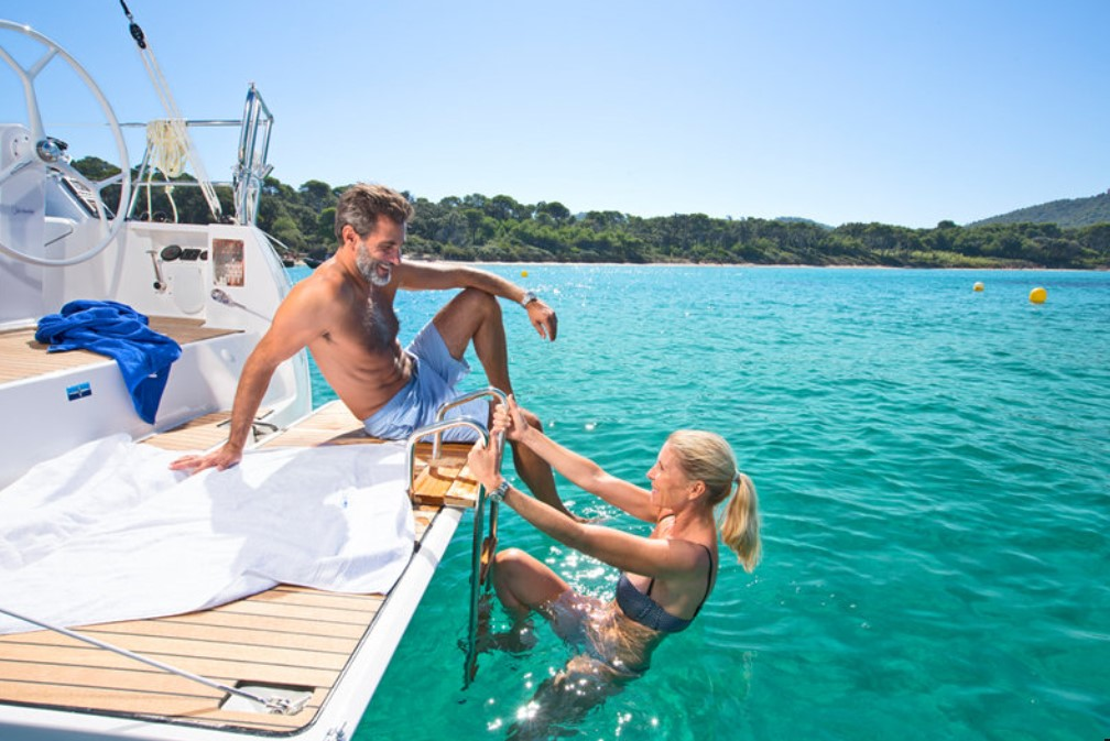 couple enjoying Bavaria Cruiser 37 in Croatia