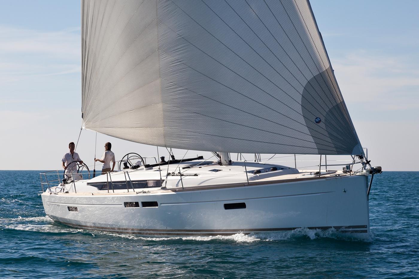 sailing Jeanneau Sun Odyssey 469