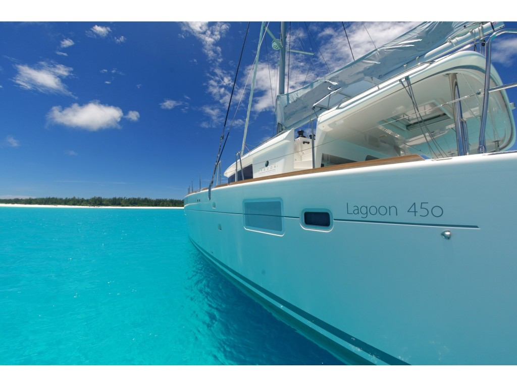 Lagoon 450 sailing to Malay island