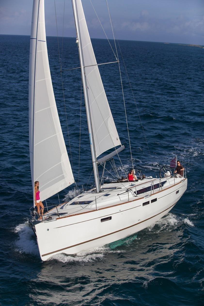 Sun Odyssey 479 cruising