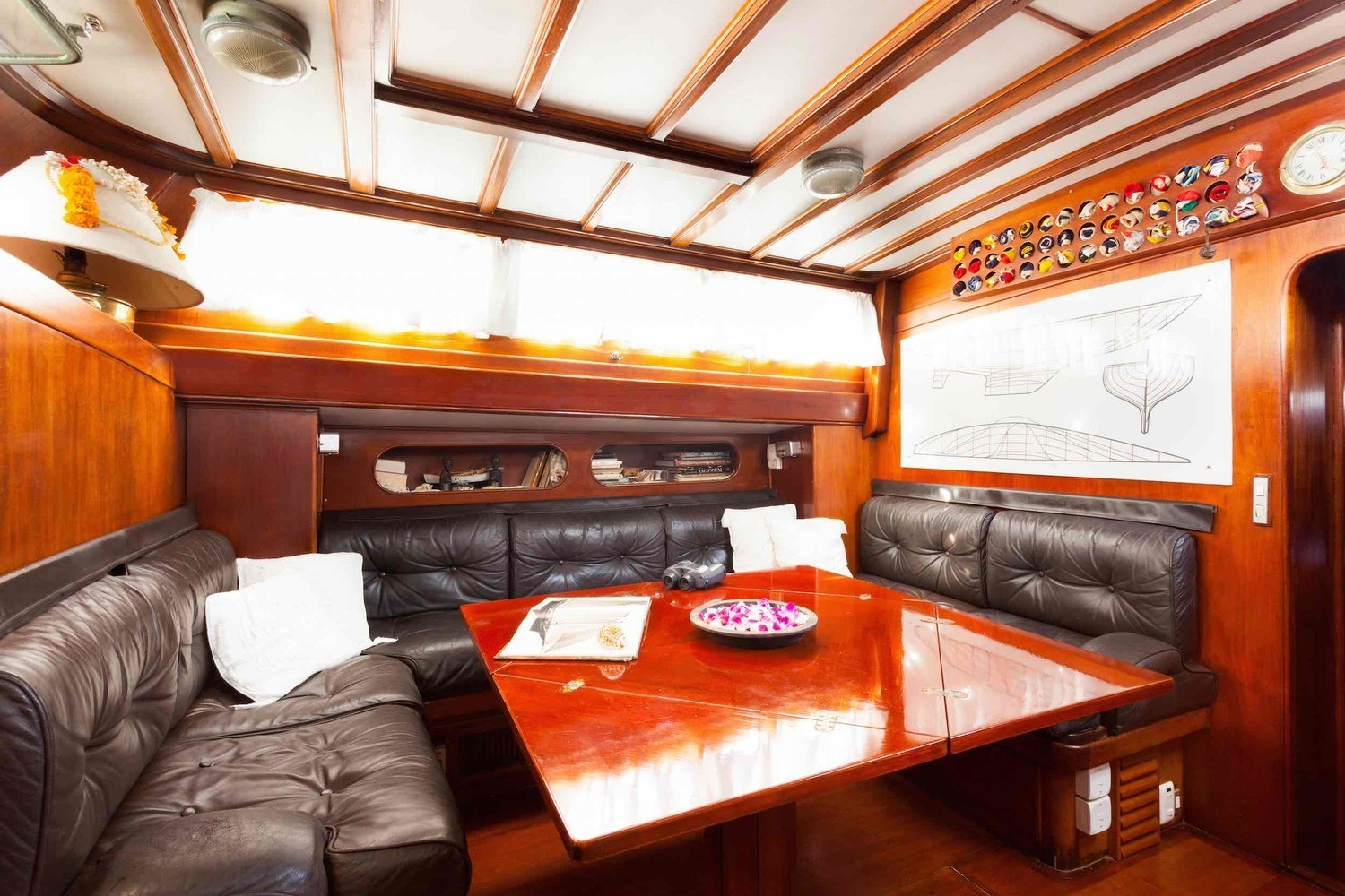 Scame yacht saloon