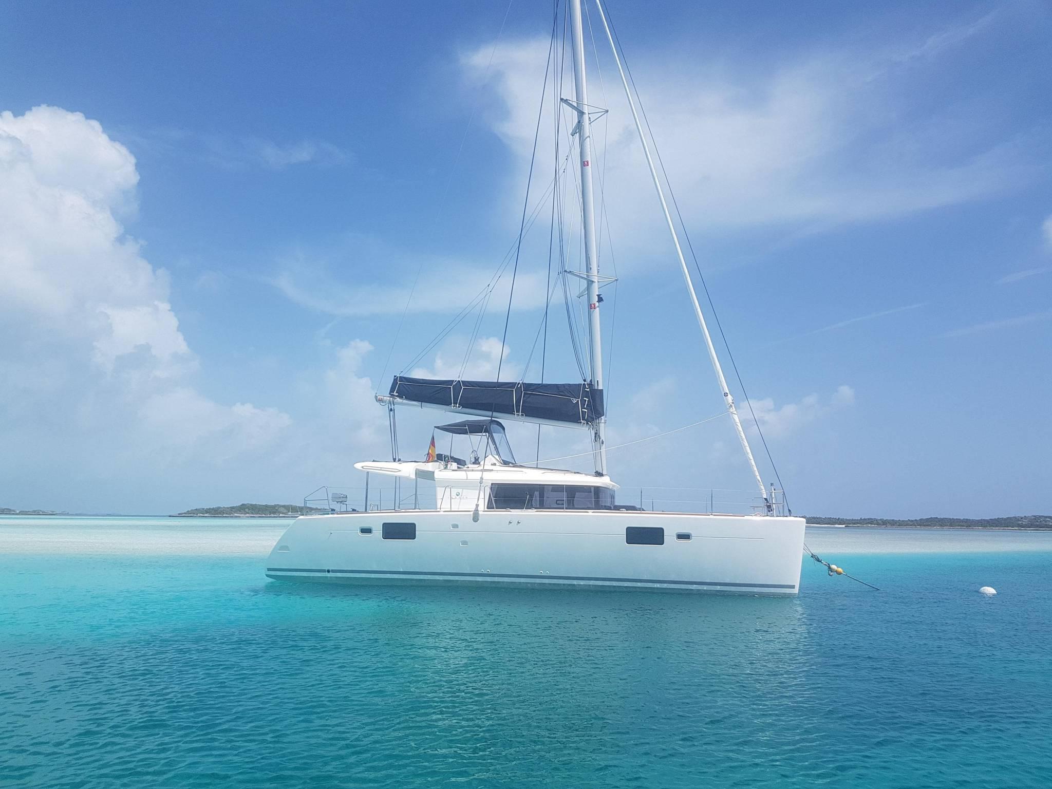 Lagoon 450 sailing in Mexico