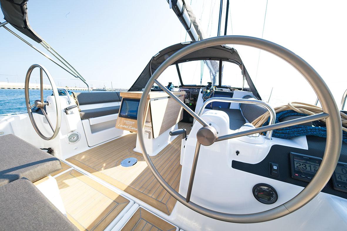 Dufour 412 steering wheel