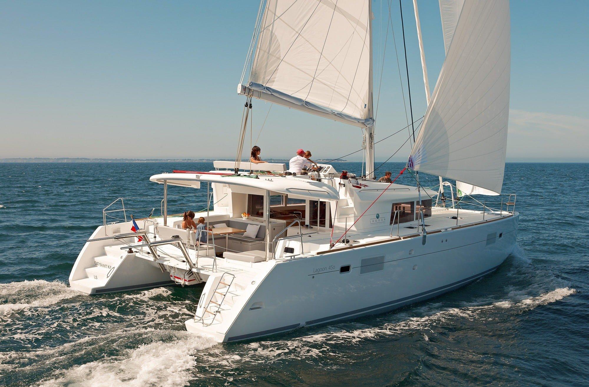 friends sailing Lagoon 450
