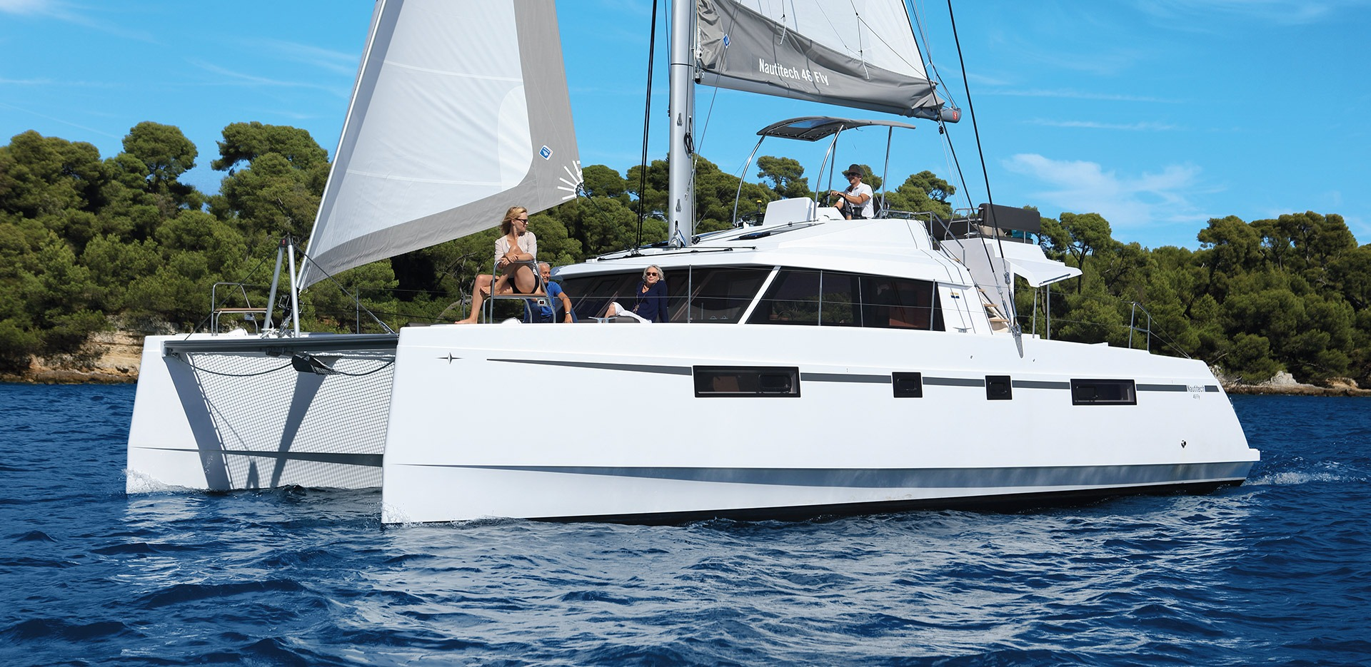 friends sailing on Nautitech Fly 46