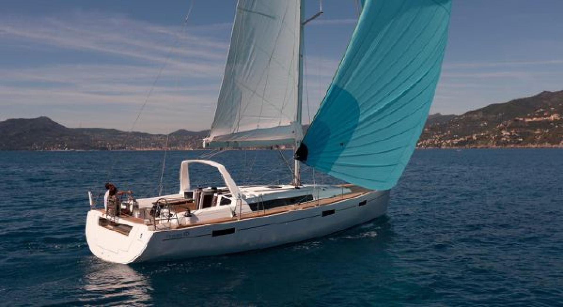 Oceanis 45 sailing in the Carribean