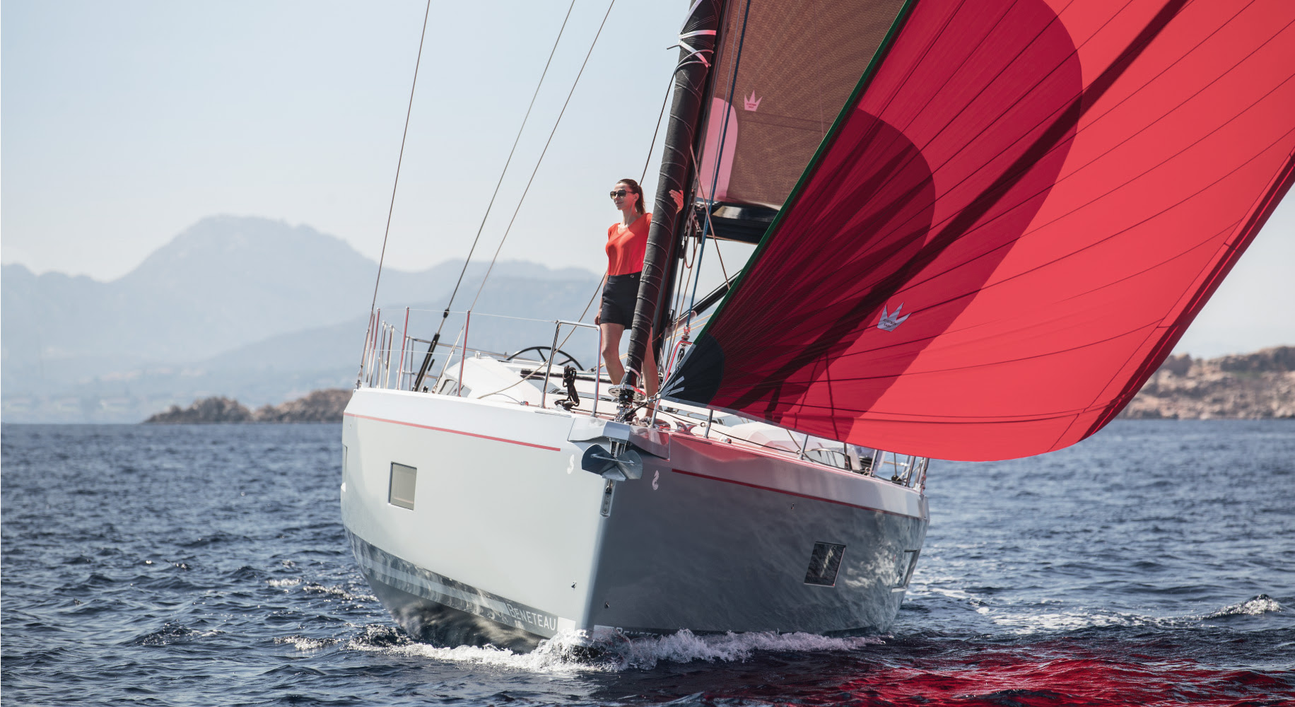 man sailing Oceanis 51.1