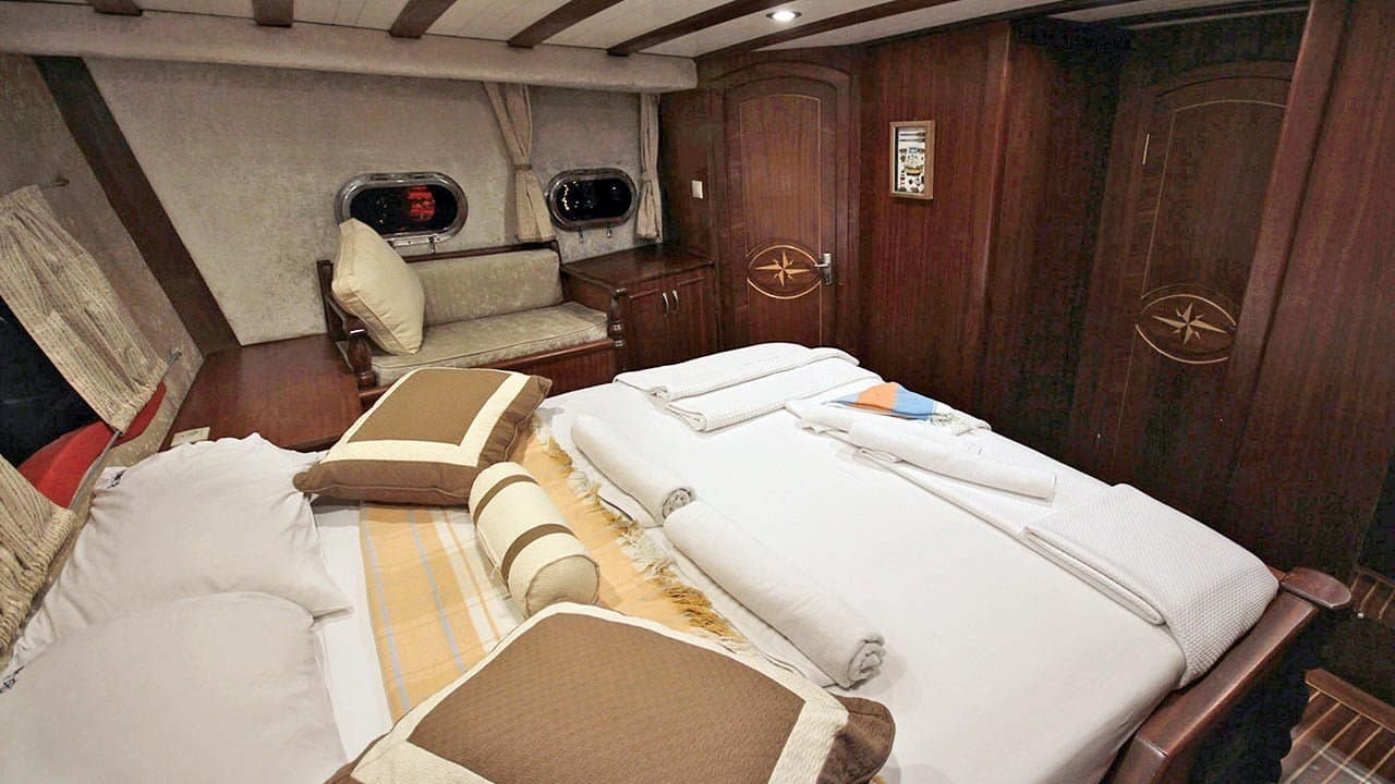 a master cabin on theSebahat Sultan Turkey charter cruise