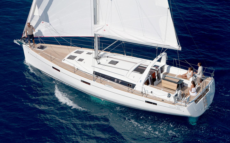 Oceanis 45 sailing
