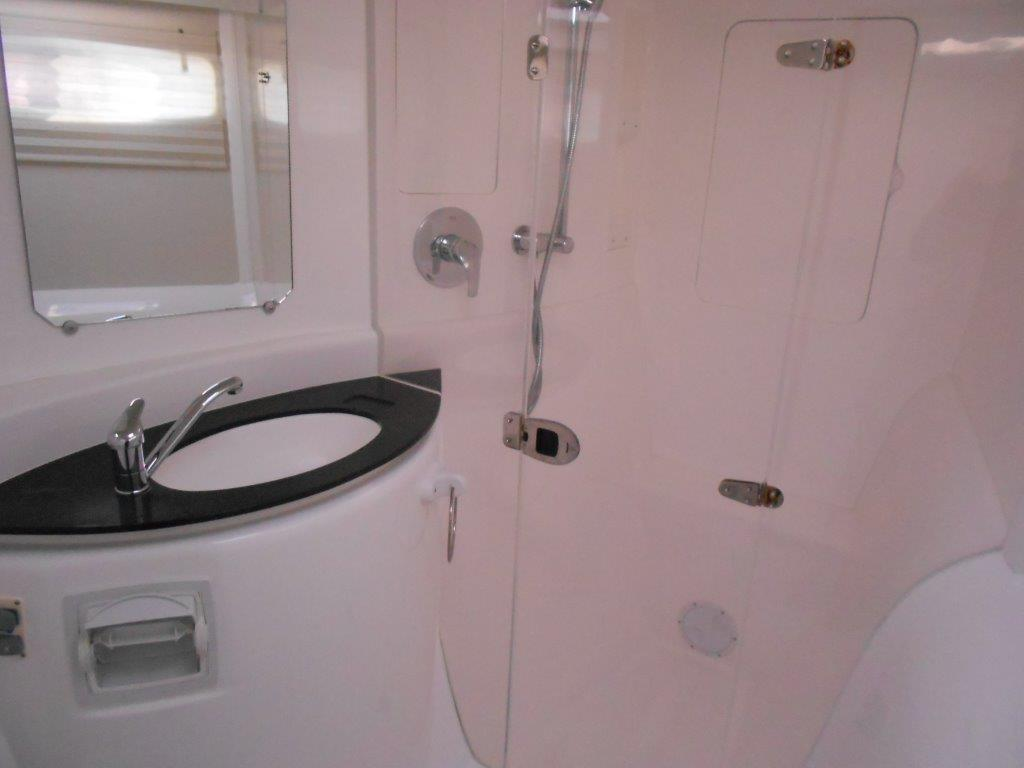 Leopard 384 bathroom
