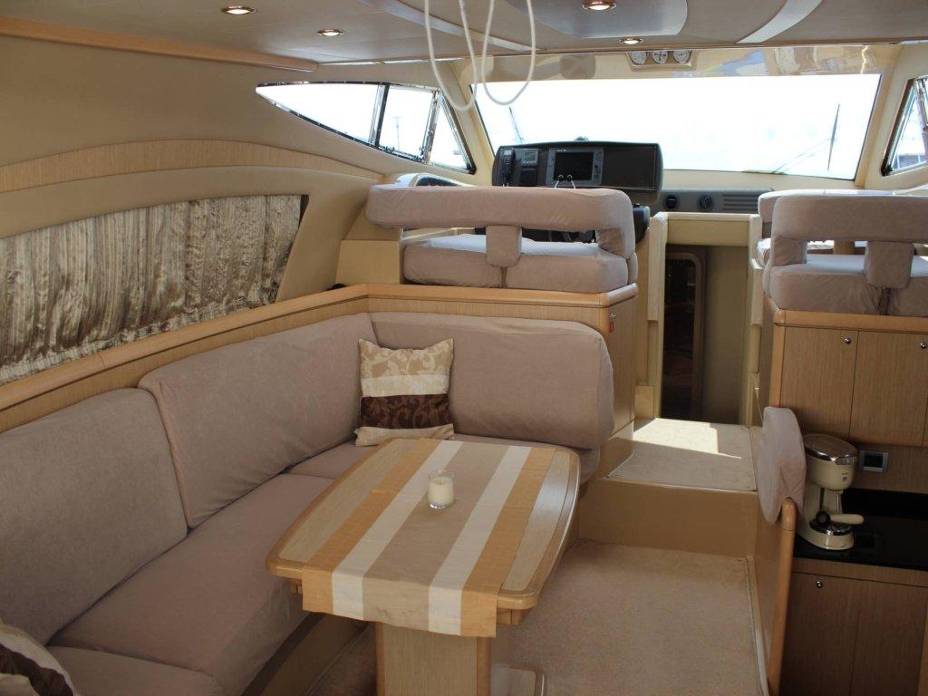 Ferretti 460 interior