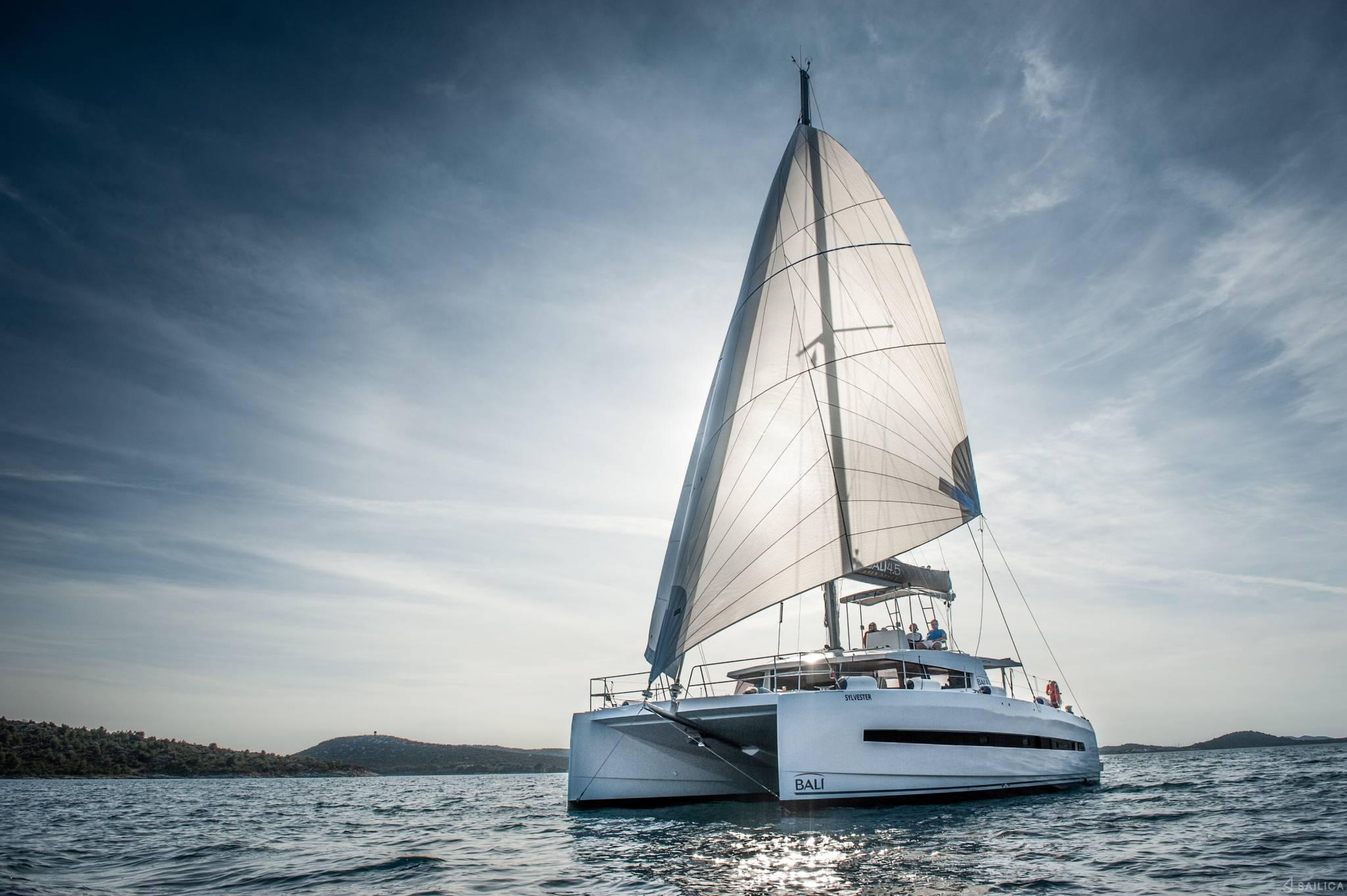 friends sailing Bali 4.5 along Mexican coast
